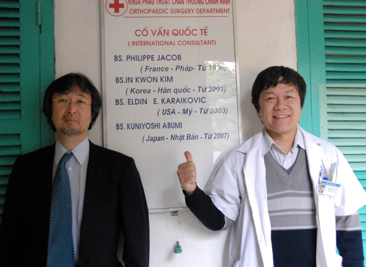 Dr Abumi from Japan and Dr Hgnia from Viet Nam